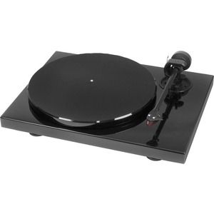 Pro-Ject Classic Record Turntable