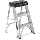 "Louisville 2' Aluminum Step Ladder - 1 Step - 136.08 kg Load Capacity24"" (609.60 mm) - Aluminum"