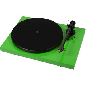 Pro-Ject Debut Carbon (DC) Record Turntable