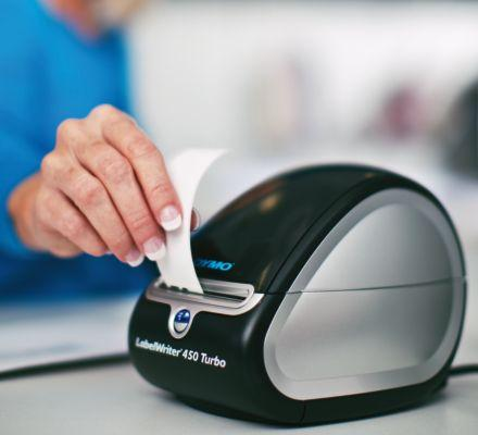 <b>  Hassle-Free Operation    </b></br>  Easy-to-load label rolls eliminate the frustration of manually feeding label sheets into a standard printer.