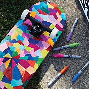 <b> Proudly Permanent Ink </b></br> Made to mark and stand out on almost every surface, iconic Sharpie permanent ink is quick drying and water-and fade-resistant.